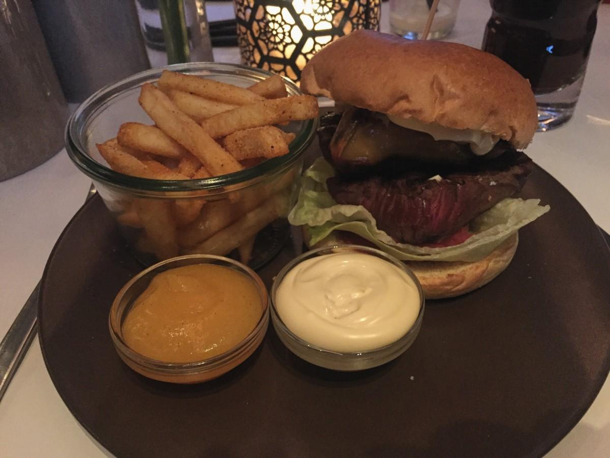 Gourmet steakburger